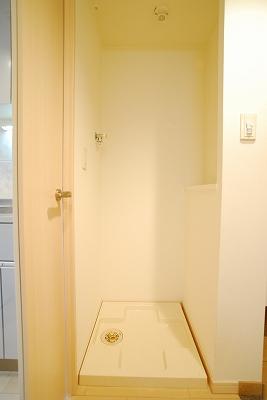 アスリート難波WEST室内洗濯パン.jpg