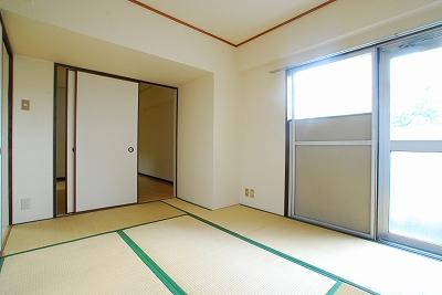ガーデンコート桜川和室.jpg