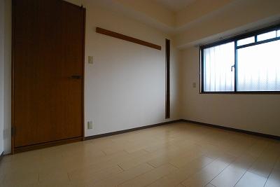 クレスト塚西寝室.jpg