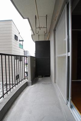 サンロール湊町バルコニー.jpg