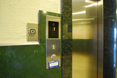 システムコート戎本町エレベーター.jpg