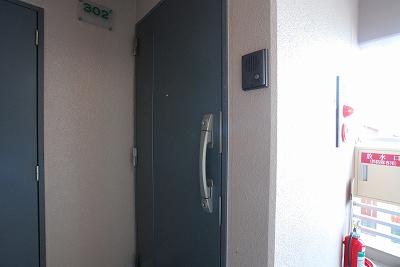システムコート戎本町ドア.jpg