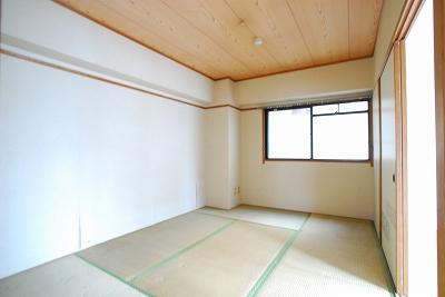 タウンハウスナンバ和室.jpg