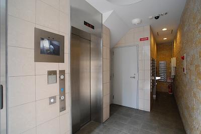 ドゥスプランドゥールエレベーター.jpg