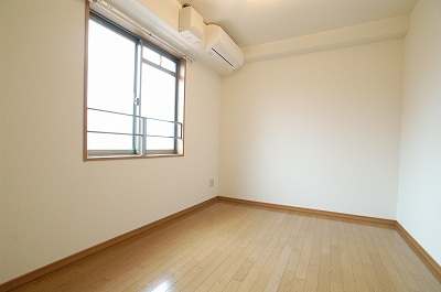 ニットーハイツ寝室.jpg