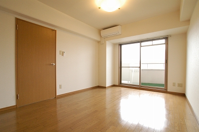 ニットーハイツ洋室.jpg
