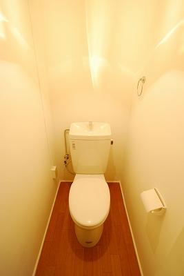 ビルディング77トイレ.jpg