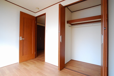 ビルディング77寝室.jpg