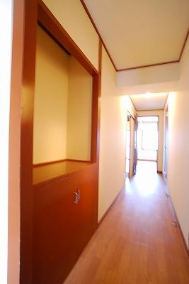 ビルディング77廊下.jpg