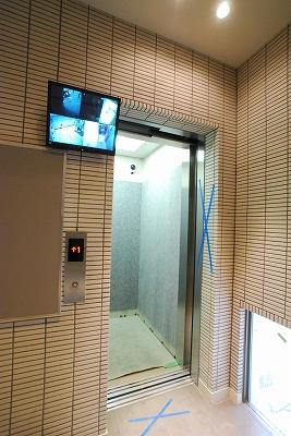 ファビュラスラフィーネ日本橋エレベーター.jpg