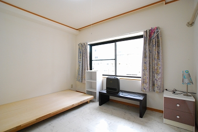 ラグジュアリ難波寝室1.jpg