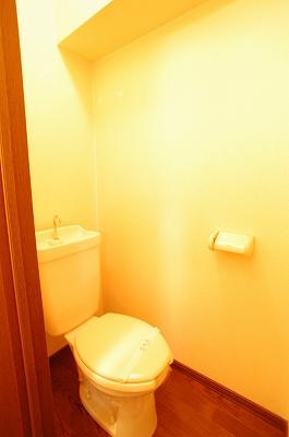 ラプルミエールトイレ.jpg
