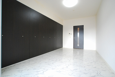 リップルグローナンバ801室内.jpg
