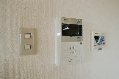 ロイヤル高津1104モニターホン.jpg