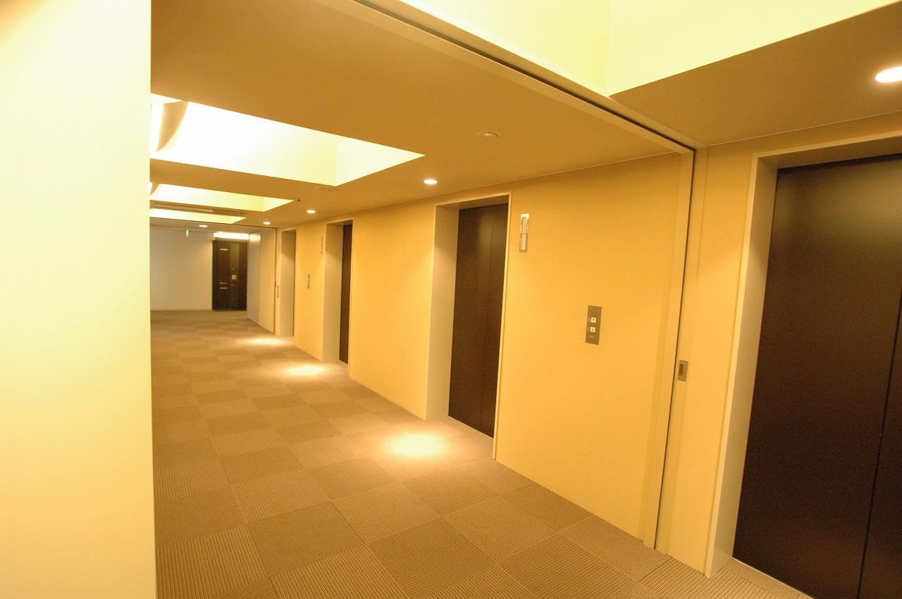 ローレル廊下.jpg