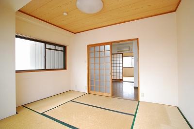 明大八坂マンション室内.jpg