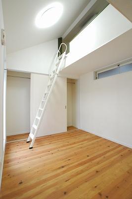 森のおうち寝室.jpg