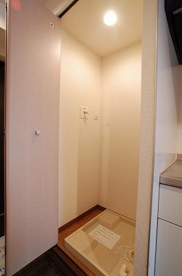 KDXレジデンス難波1K室内洗濯パン.jpg