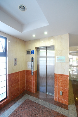 Felice Nanba Ovestエレベーター.jpg